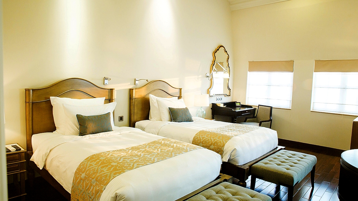Riverview Room with twin beds