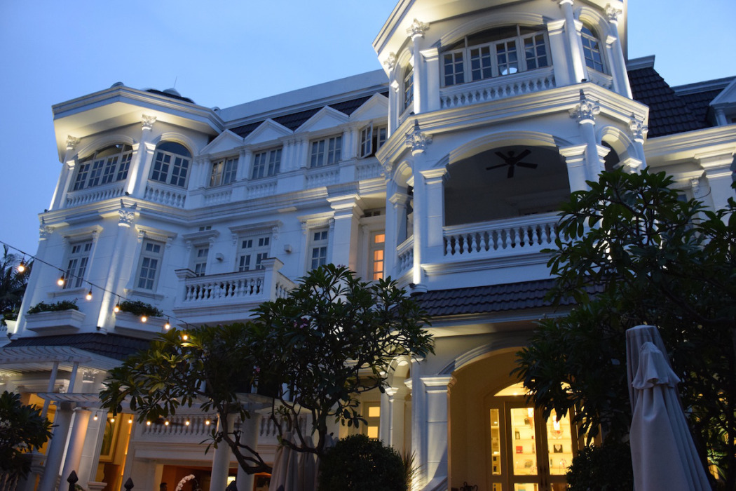 The luxe insider review villa song saigon hotel for Exclusive boutique hotels