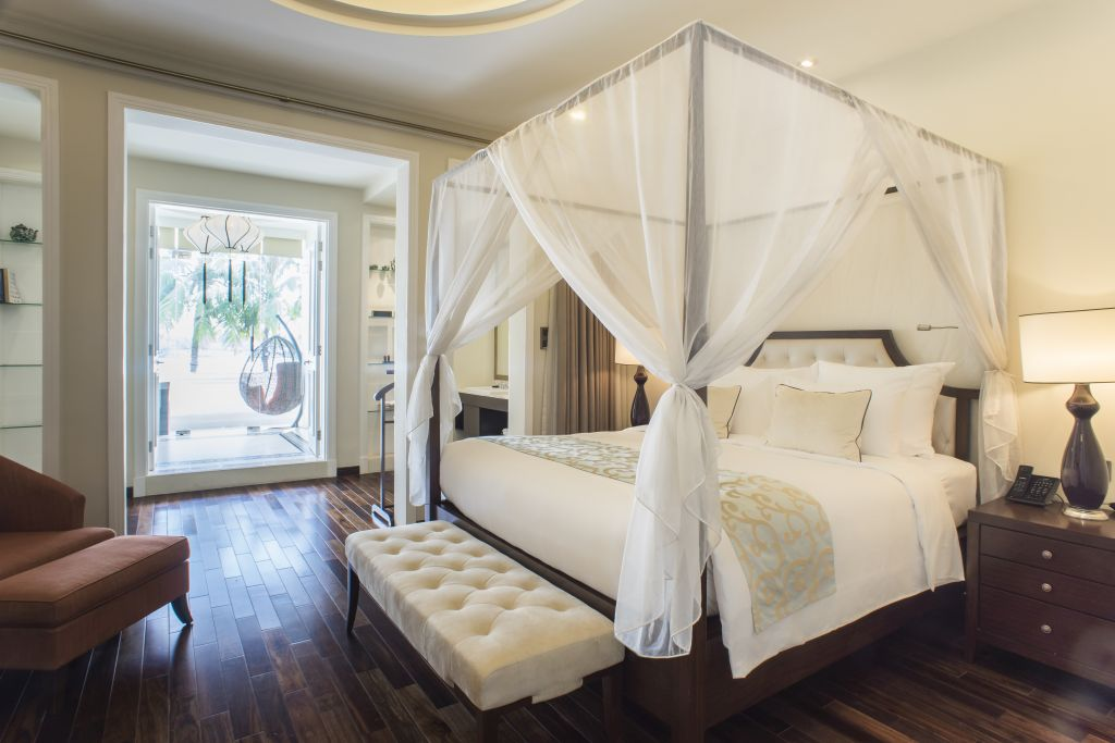 Imperial Suite - Luxury suite with four poster bed